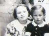 Meine Freundin und ich 1936/37 in der Mozartvolksschule. Foto: Ilse Mass privat